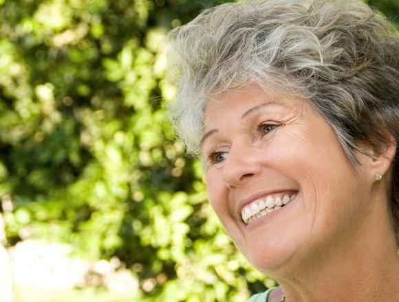 Dentist in Le Mars | Optimal Gum Health for Seniors